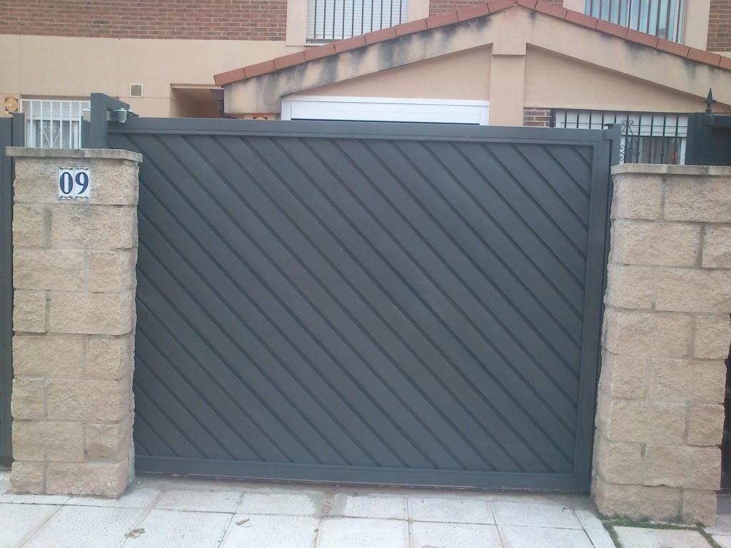 Puertas correderas puertas de garaje en murcia frampe for Puertas automaticas garaje