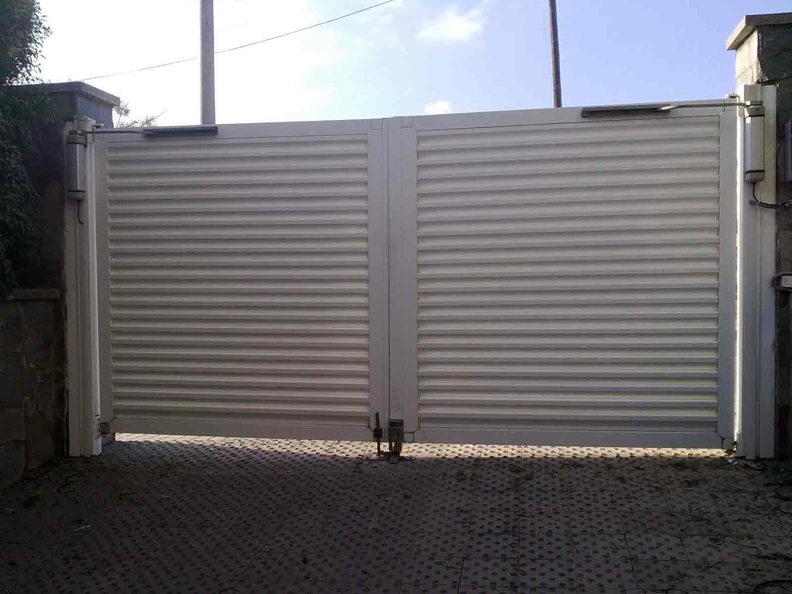 Puertas abatibles puertas de garaje en murcia frampe - Puertas automaticas en murcia ...