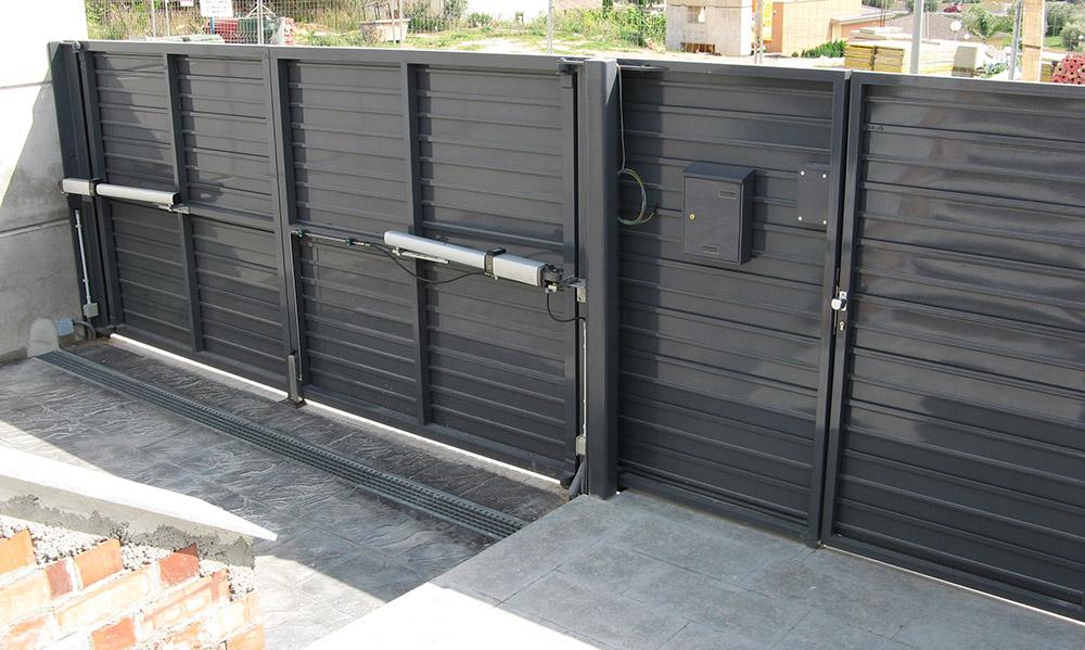 Puertas abatibles puertas de garaje en murcia frampe - Proyecto puerta de garaje ...