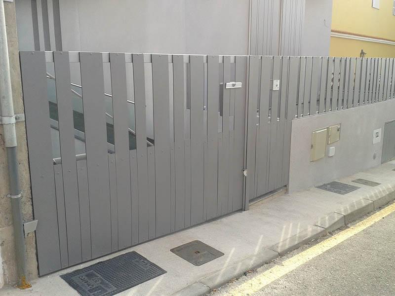 Puerta corredera metalica exterior puerta de garage de for Puerta garaje metalica